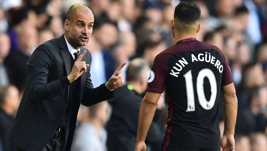Guardiola con il Kun Aguero, uno dei giocatori più forti del Manchester City